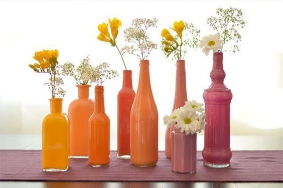 DIY: How to Make Painted Bottle Vases at Home