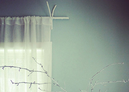 Curtain Rods With Wooden Branches DIY: Beautiful Ideas for Room Decoration with Simple Crafts