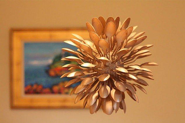 Plastic Spoon:Flower vase /center piece Creative Plastic Spoon Craft Ideas