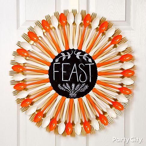 Plastic Spoon: Chalkboard Wreath for Thanksgiving Creative Plastic Spoon Craft Ideas