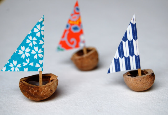 Boat in Coconut Water DIY: Summer Craft Ideas for Kids