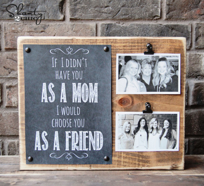 Sentimental Photo Holder - Mother's Day Mother's Day Crafts Ideas That She'll Treasure
