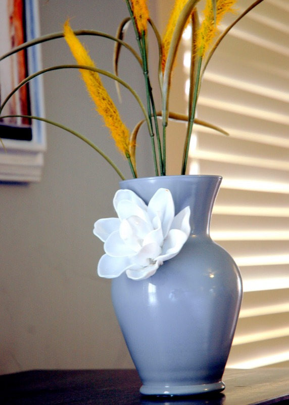 Plastic Spoon:Anthropology vase knock off with flower Creative Plastic Spoon Craft Ideas