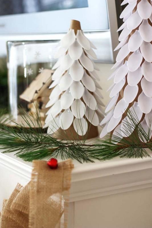 Plastic Spoon: DIY Christmas Trees Creative Plastic Spoon Craft Ideas