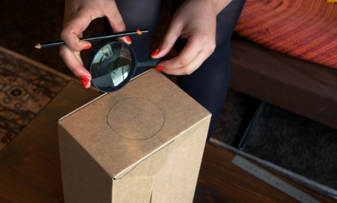 smartphone projector 2 DIY: Learn to make Homemade Smartphone Projector in just $2| 10 Easy Steps