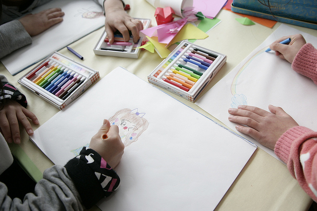 Group-art Art Therapy: How to de-stress yourself with Art & Craft