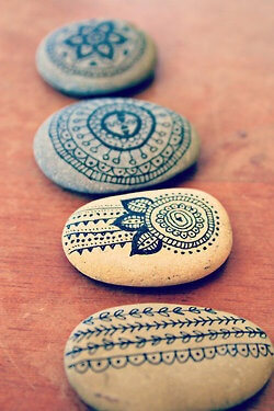 Mandala and other doodles Decorative Stones Decorative Stones & Gravel, Paint Craft Ideas