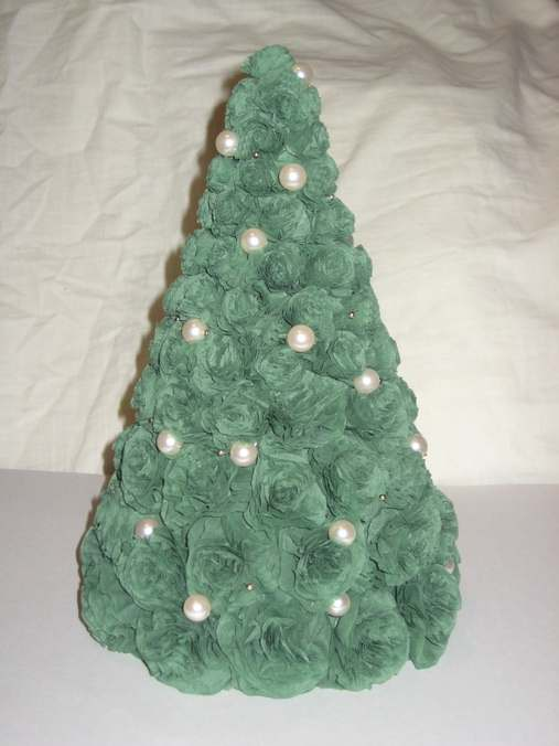 Tutorial to Make Christmas Tree in Cheap and Easy Steps