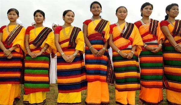 Assamese women's Motif-rich Mekhela Chador Traditional Indian Dresses for Womens to Wear at Festivals