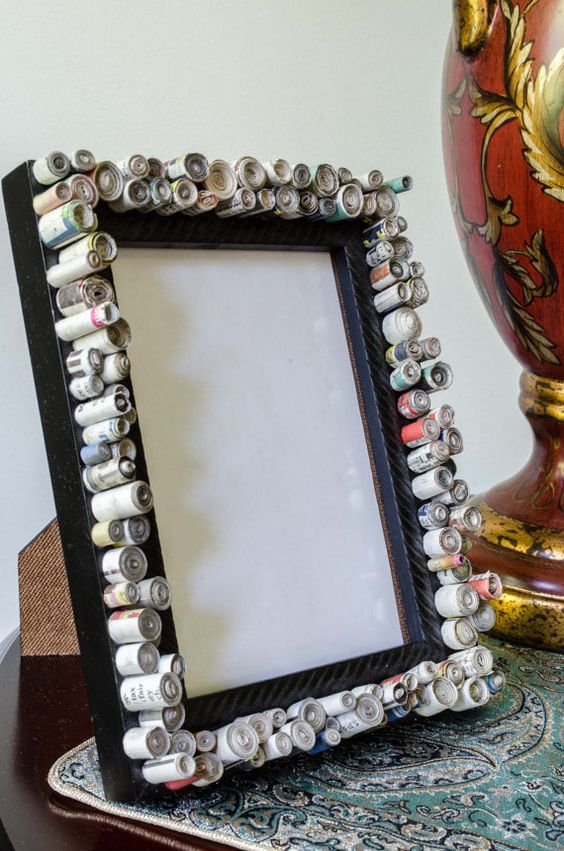 Newspaper Round Block Frame DIY Wall Hanging Ideas to Decorate Your Home