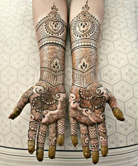 mehndi-designs-for-navratri-festival-in-india Celebrate Navratri With Mehendi Designs