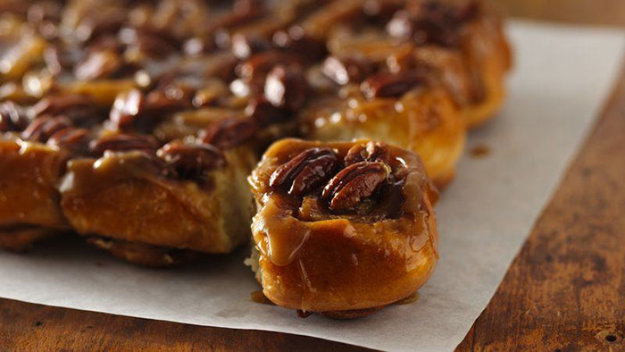 Banana Sticky Buns with Pecans Tricks to Make Your Breakfast Ready in Few Minutes