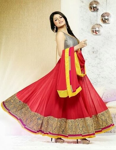 Salwar Kameez Suits: Traditional Dresses for Indian & Pakistani Women to Look Awesome