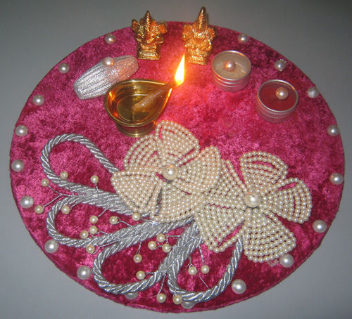 decorative-thali-for-diwali-puja Beautiful Rangoli Ideas for Diwali