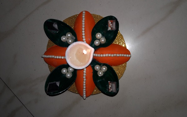 diy-diwali-diya-from-spoon-Diwali Diya Holder From Plastic Spoon