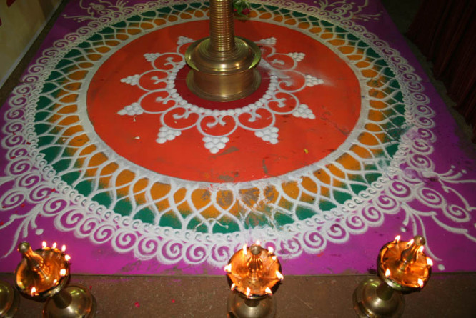 rangoli-designs-simple Beautiful Rangoli Ideas for Diwali