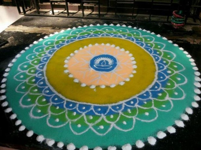 rangoli-during-diwali Beautiful Rangoli Ideas for Diwali