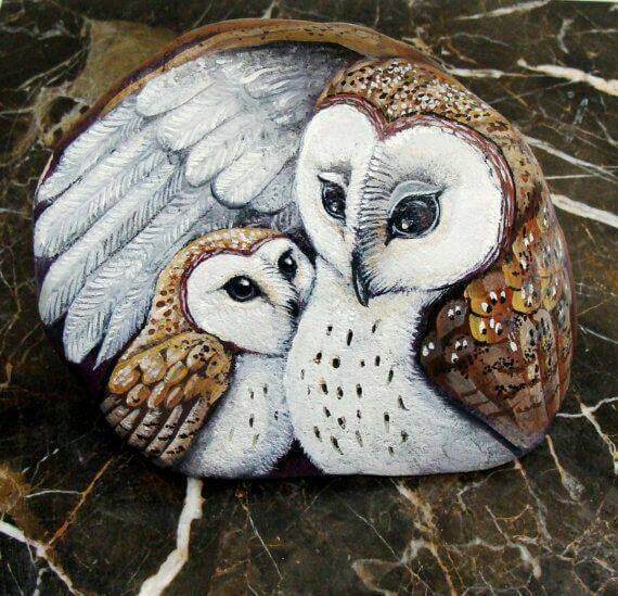 Beautiful owls painted on stones Decorative Stones & Gravel, Paint Craft Ideas