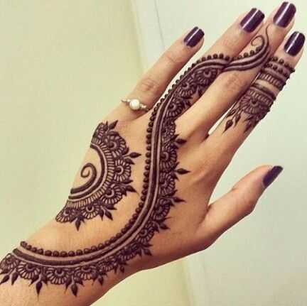 uber-cool-mehndi-designs-for-navratri- Celebrate Navratri With Mehendi Designs