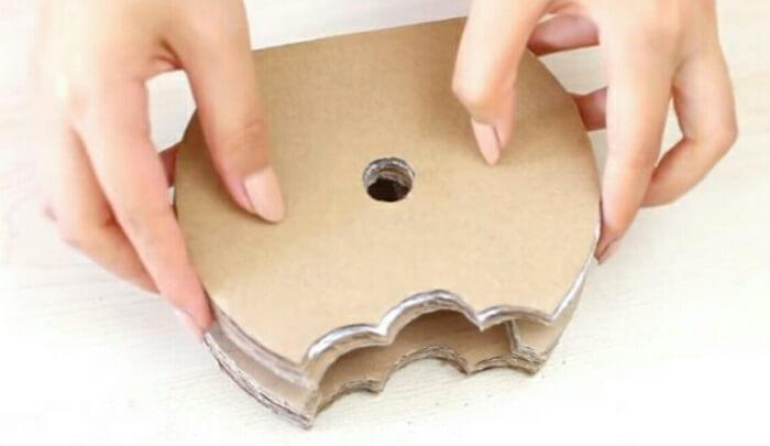 donut-phone-holder-Learn to Make Donut Phone Holder