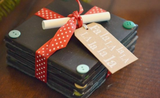 diy-chalkboard-coaster-set-tutorial-handmade-gift-idea-super-cute-idea-for-teachers-homemade-christmas-gifts