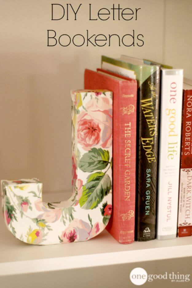 Beautiful DIY Letter Bookends DIY Decor Ideas For Teen Girls (Step by step)