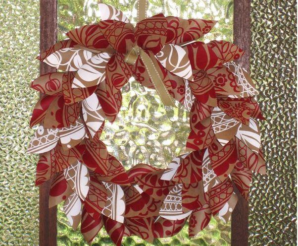 paper-christmas-wreath-tutorial-Paper Christmas Wreath Tutorial