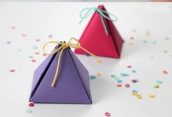 gif Triangular Christmas Gift Box Tutorial