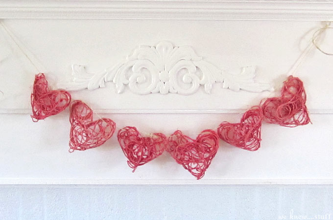 wks_twinehearts_DIY : 3D decorative Paper Heart Garland Tutorial