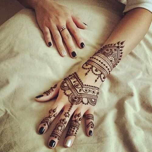fascinating-arabic-mehndi-designs Beautiful Arabic Mehndi Latest Designs [2020]