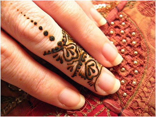 finger-simple-mehndi-designs Beautiful Arabic Mehndi Latest Designs [2020]