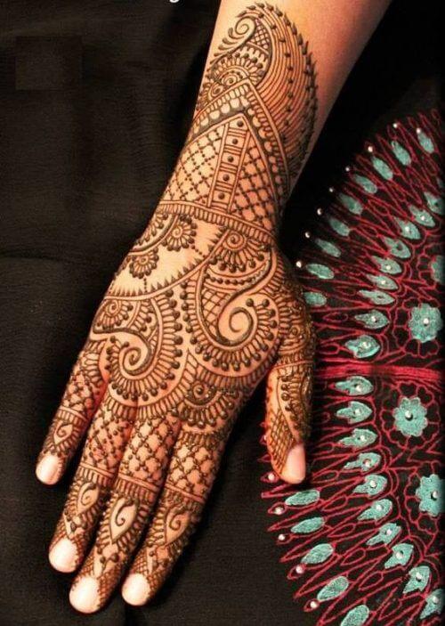 veil-and-flower-arabic-mehandi-designs-for-tattoos Beautiful Arabic Mehndi Latest Designs [2020]
