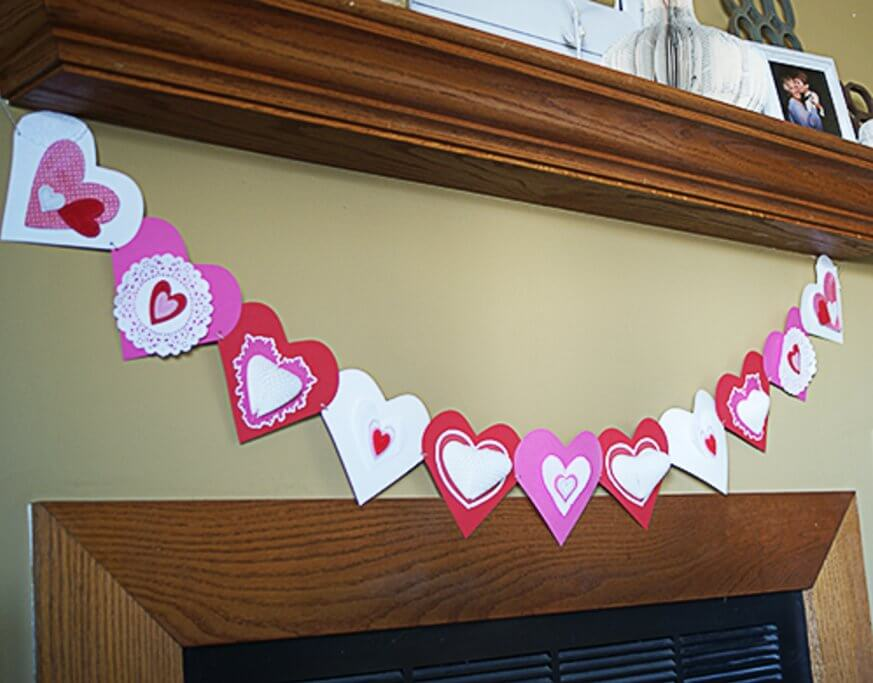 Heart-Garland 30+ Easy Valentine's Day Crafts for Kids