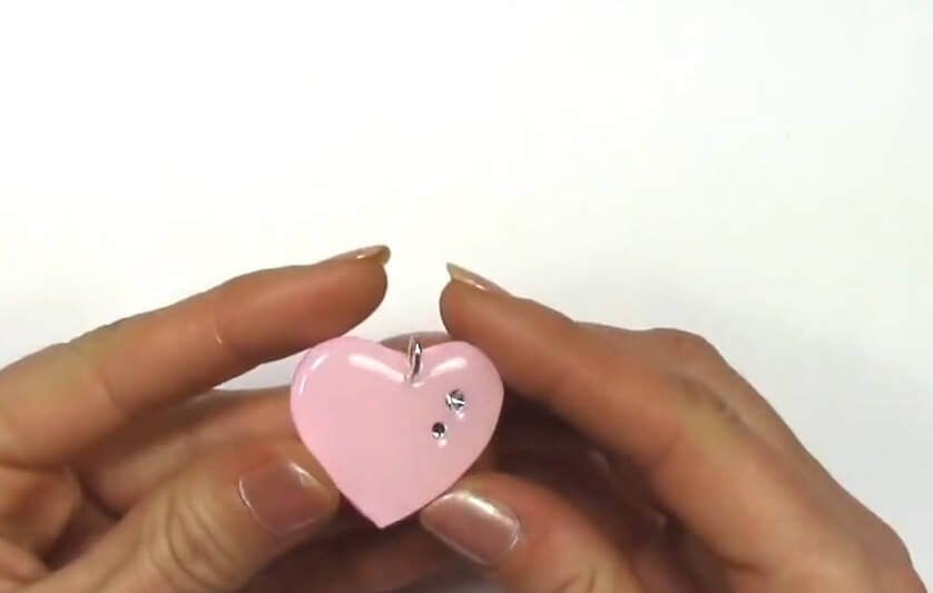 Resin-Pendant-Heart Shaped Resin Pendant Tutorial