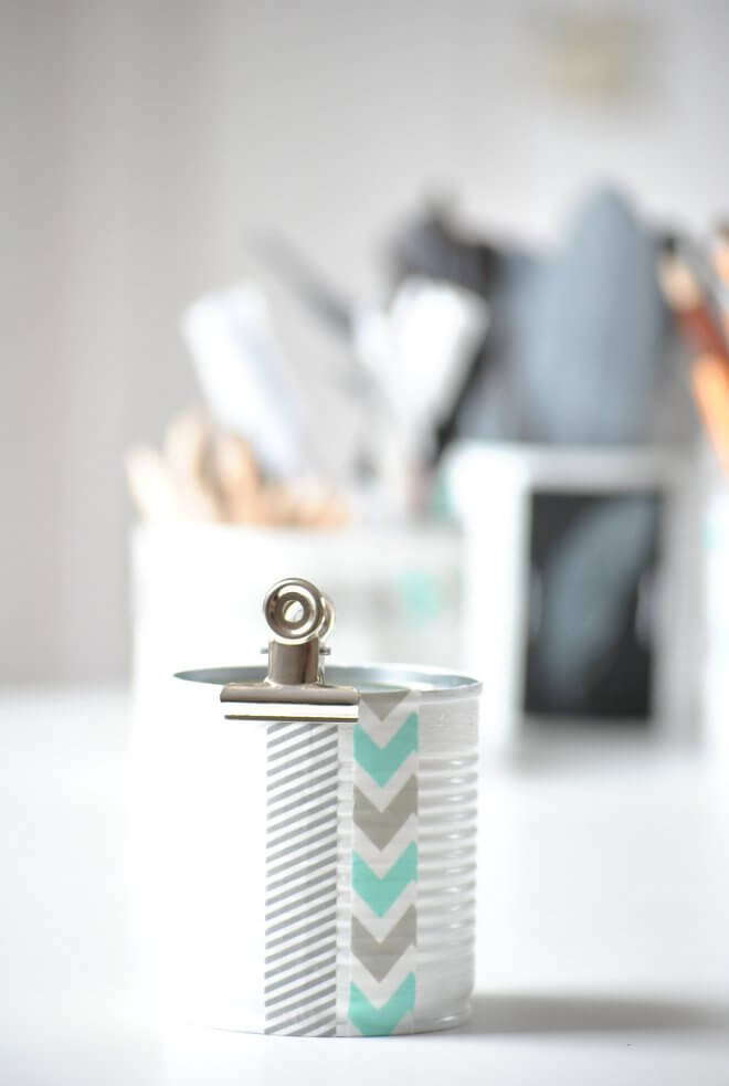 Desk-Organizers-k4craft-DIY Tin Can Organizer to Organize Your Workspace