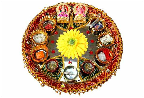 Silver Royalty Thali Decoration Best Ways to decorate Thali for Rakhi at Rakshabandhan