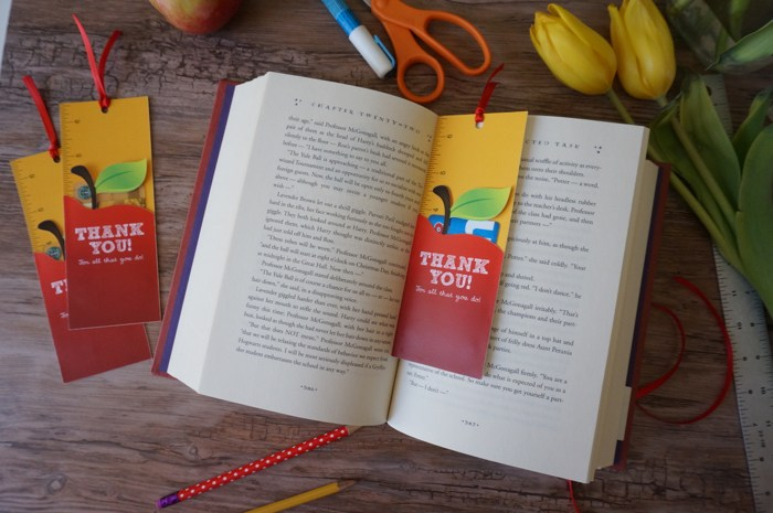 Thank you DIY awesome bookmark idea Awesome Teachers' Day Gift Ideas with Thank You Cards