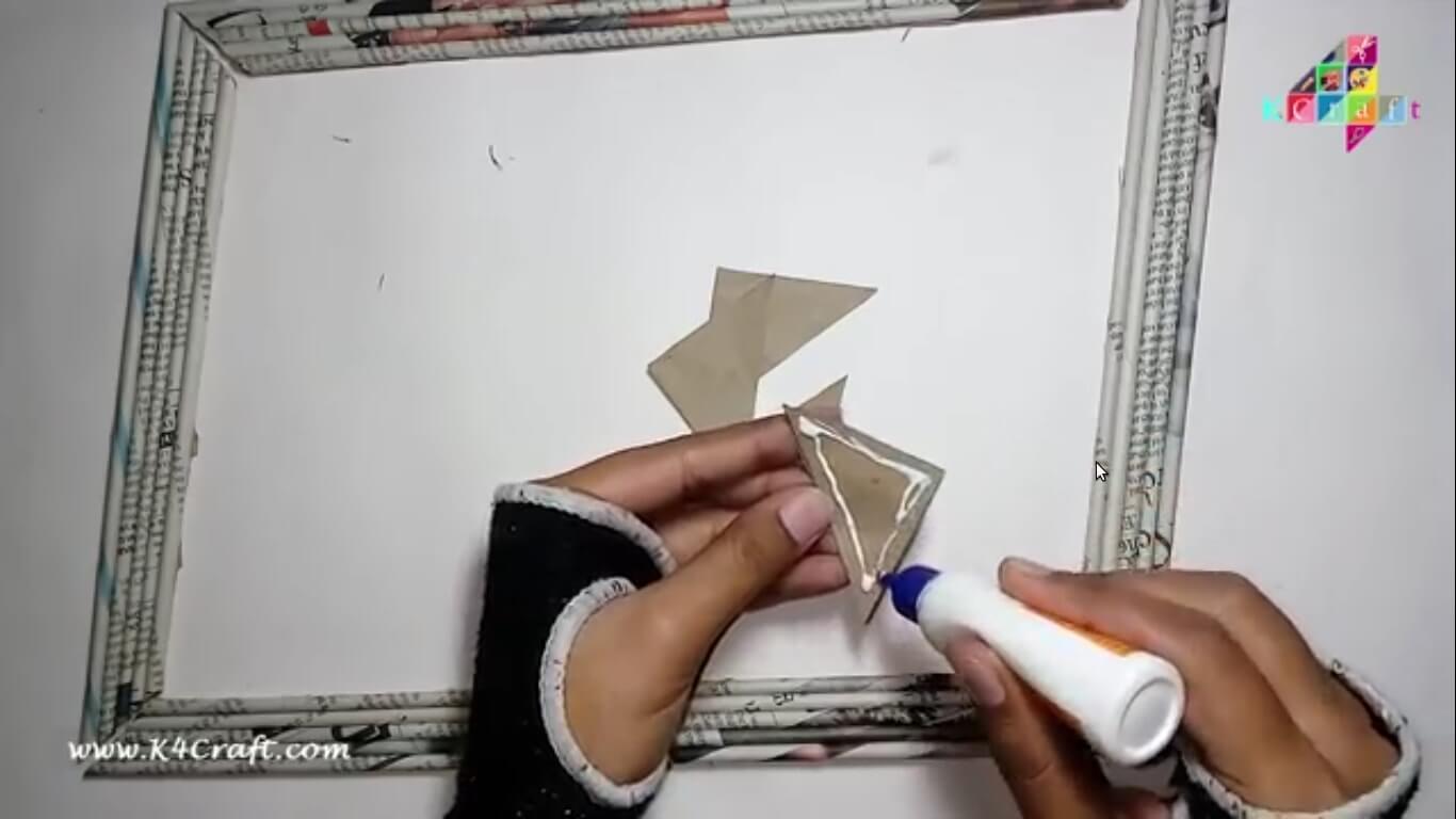 DIY: Newspaper Photo Frame - Step by step