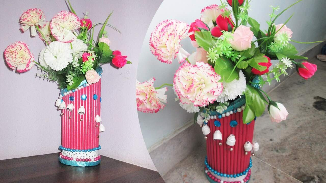 Newspaper Flower Vase making - Newspaper Craft Ideas DIY Recycled Newspaper Craft Video Tutorials