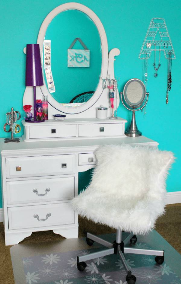 DIY Pottery Barn Inspired Furry Office Chair  Easy to Make DIY Home Decorating Ideas