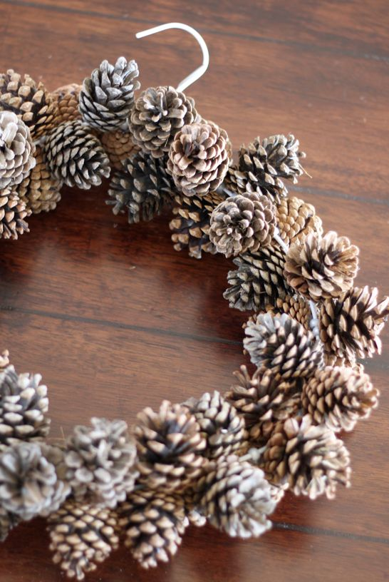 Pine Cone Wreath DIY Holiday Pine Cones Craft Ideas