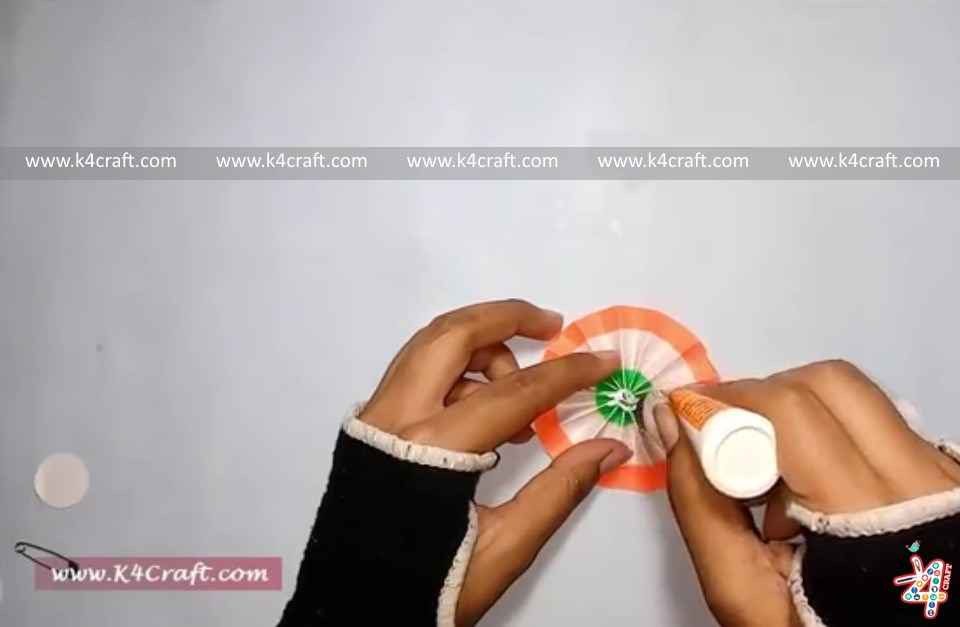 """How to make Indian Tricolour """"Badge"""" for kids (Tutorial)"""