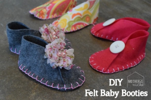 Baby Booties - DIY Felt Craft Ideas!Several easy Felt Crafts & Projects to make. Find felt crafts for kids, teens and adults with tutorials