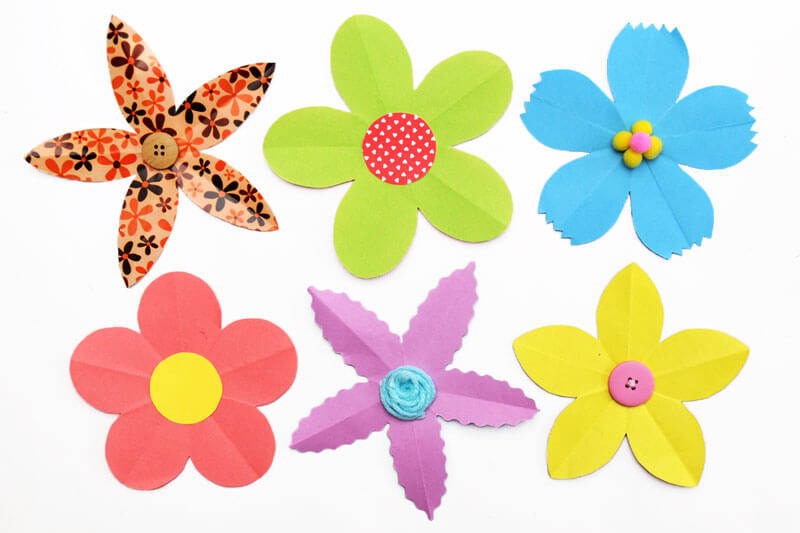 Colourful flower crafts fro teachers to make with students