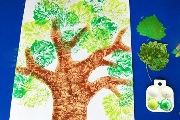 Leaf painting crafts for toddlers