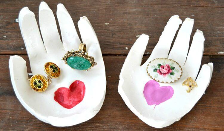 Beautiful hand jewellery cases for Mother's Day Mother's Day Craft Ideas for Kids