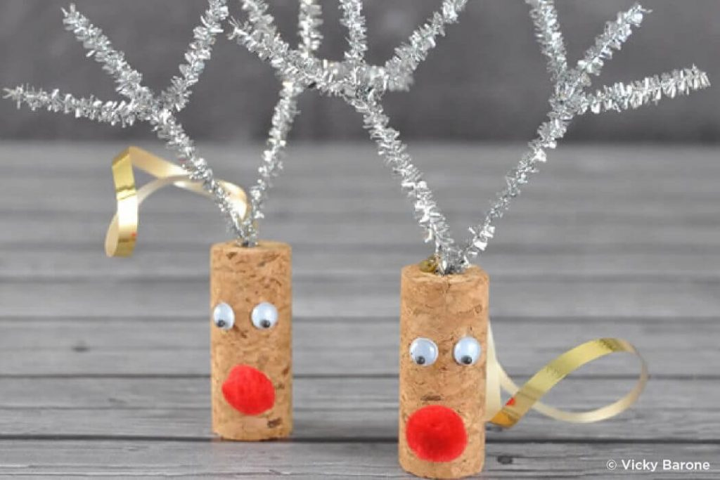 Wooden cork crafts for kids Easy Christmas Craft Ideas for Kids