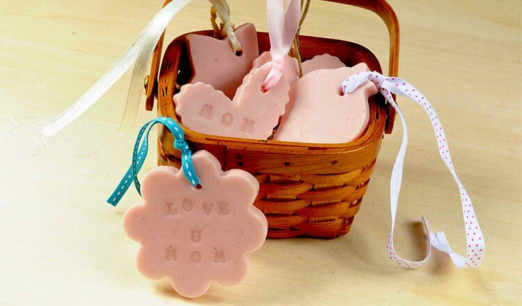 Love basket for your mom Mother's Day Craft Ideas for Kids