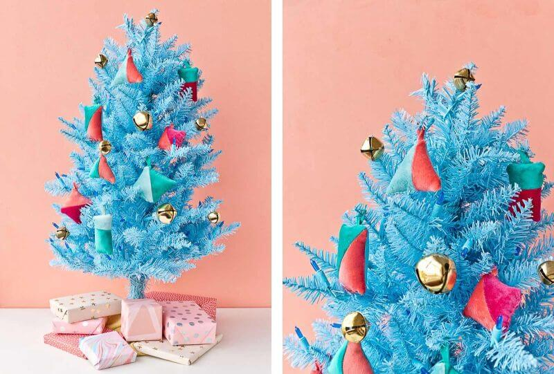 Bright blue color scheme for Christmas decorations Christmas Color Schemes For Decoration