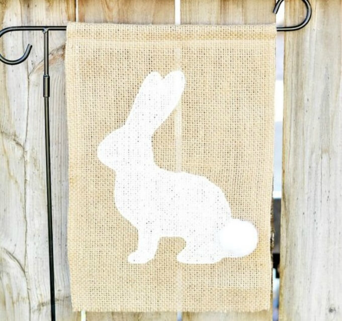 Jute cloth painted DIY bunny craft ideas DIY Bunny Craft Ideas & Video Tutorials